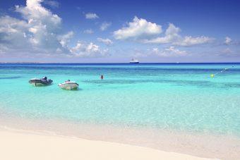 Formentera verfügt - nicht nur laut der Reise-Community Tripadvisor - über einen der schönsten Strände der Welt.